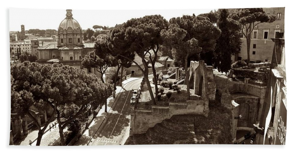 Rome Bath Sheet featuring the photograph Below The Capitoline Hill by Eric Tressler