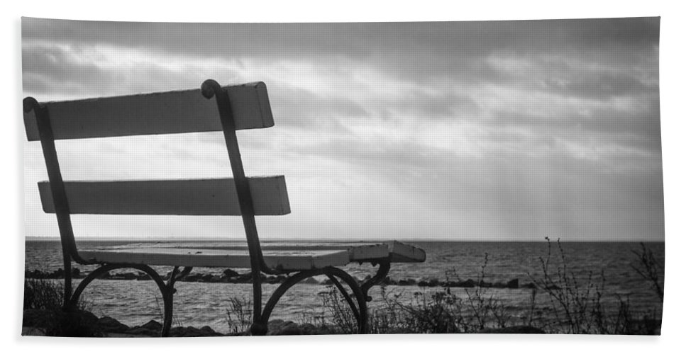 Bench Hand Towel featuring the photograph Bench With A View by Ralf Kaiser