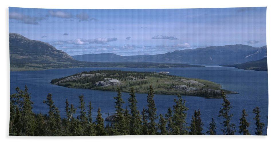 Americas Bath Sheet featuring the photograph Bennet Lake by Roderick Bley