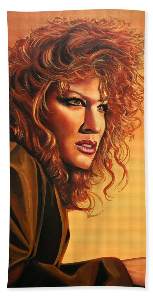 Bette Midler Hand Towel featuring the painting Bette Midler by Paul Meijering
