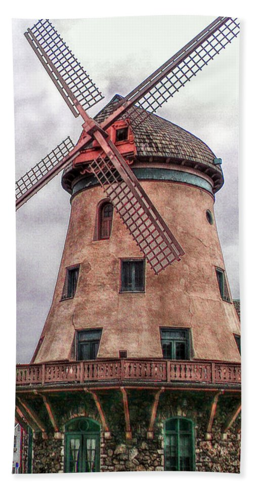 Bevo Hand Towel featuring the photograph Bevo Mill II by C H Apperson