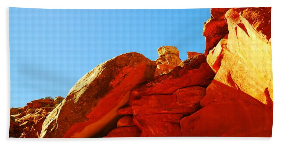 Rock Hand Towel featuring the photograph Big Orange Rock by Jeff Swan