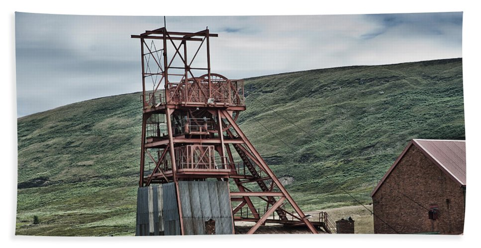Big Pit Colliery Hand Towel featuring the photograph Big Pit Colliery by Steve Purnell