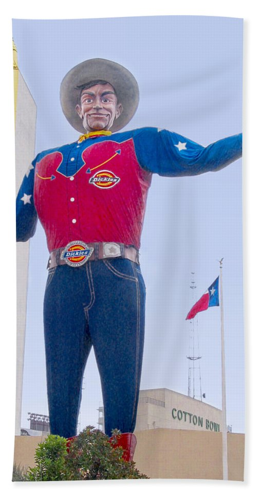 Dallas Bath Sheet featuring the photograph Big Tex And The Cotton Bowl by David and Carol Kelly