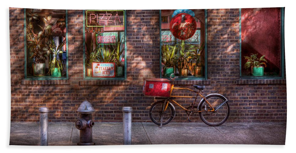 American Diner Bath Sheet featuring the photograph Bike - Ny - Chelsea - The Delivery Bike by Mike Savad