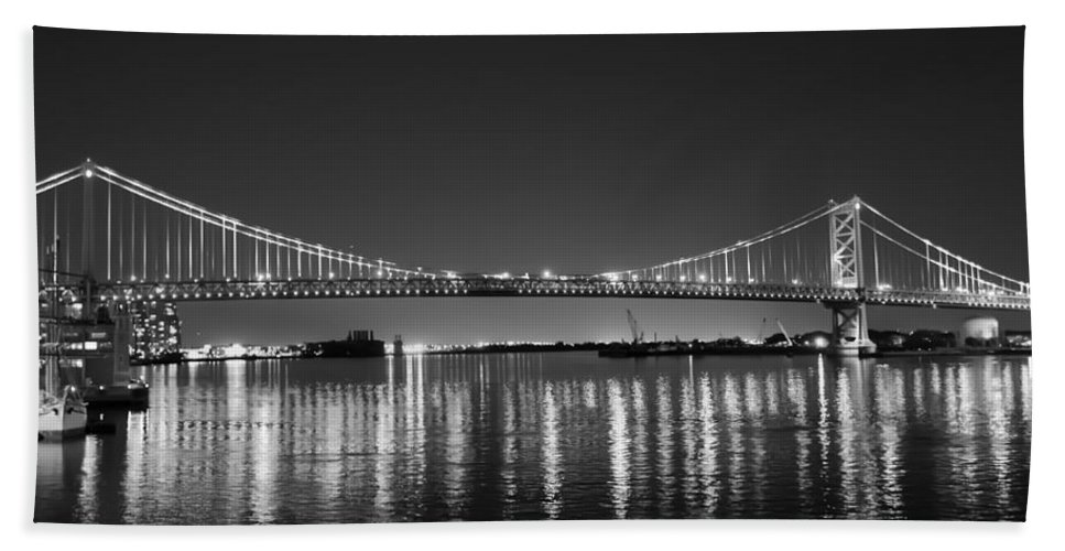 Black Hand Towel featuring the photograph Black And White Benjamin Franklin Bridge by Bill Cannon