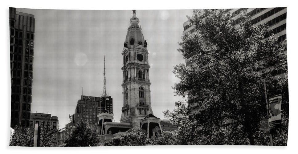 Black And White Bath Sheet featuring the photograph Black And White City Hall by Bill Cannon