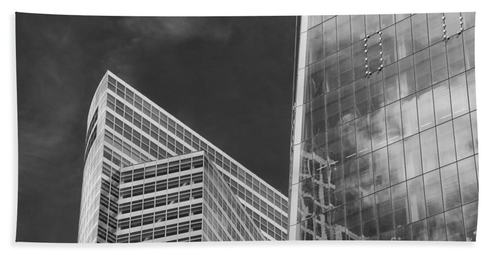New York City Cityscape Cityscapes Building Buildings Architecture Cities Structure Structures Skyscraper Skyscrapers Line Lines Window Windows Reflection Reflections Cloud Clouds Black And White Bath Sheet featuring the photograph Black And White Skyscrapers by Bob Phillips