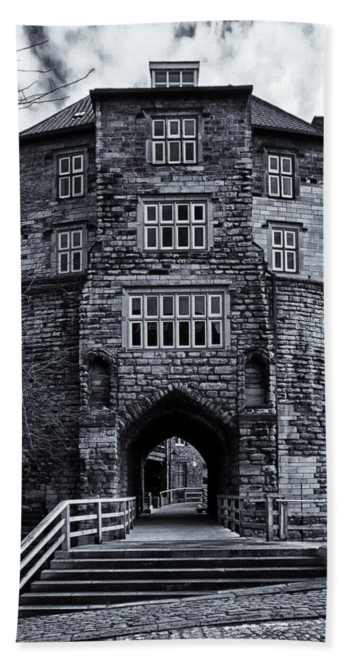 Black Hand Towel featuring the photograph Black Gate by David Pringle