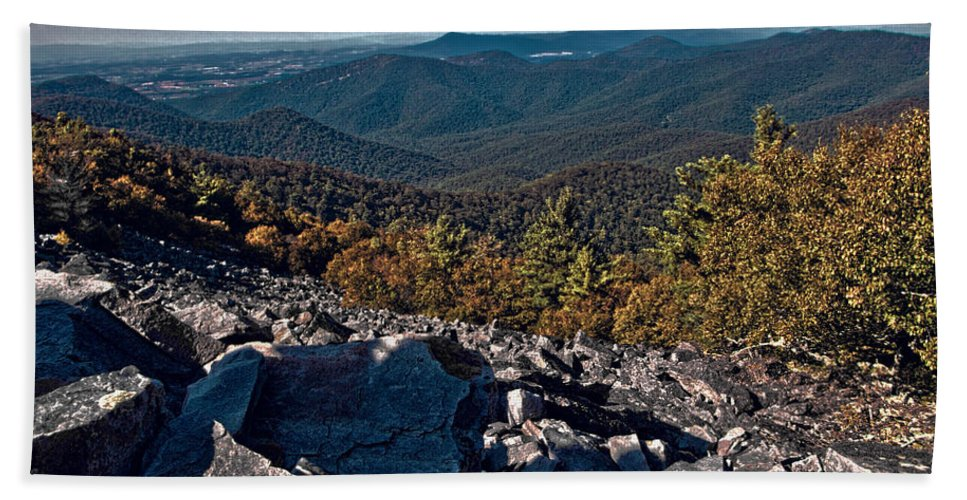 Blackrock Summit 1 Hand Towel featuring the photograph Blackrock Summit Toned by Jemmy Archer