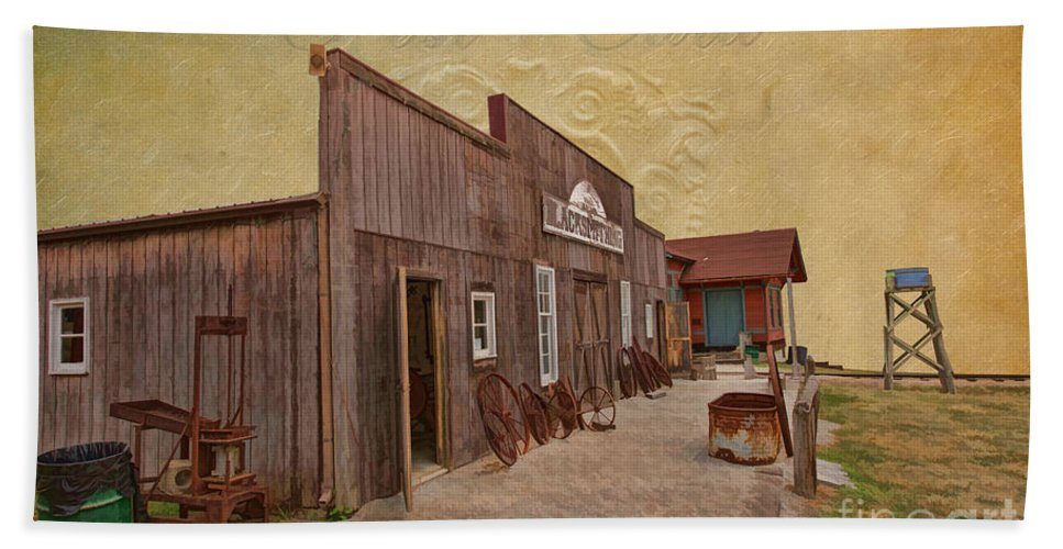 Blacksmith Shop Hand Towel featuring the photograph Blacksmith Shop by Liane Wright