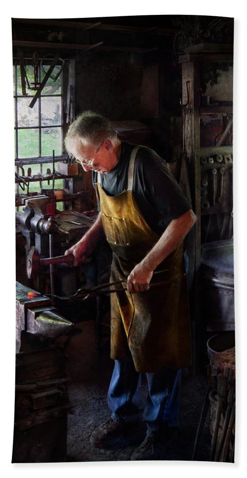 Blacksmith Bath Sheet featuring the photograph Blacksmith - Starting With A Bang by Mike Savad
