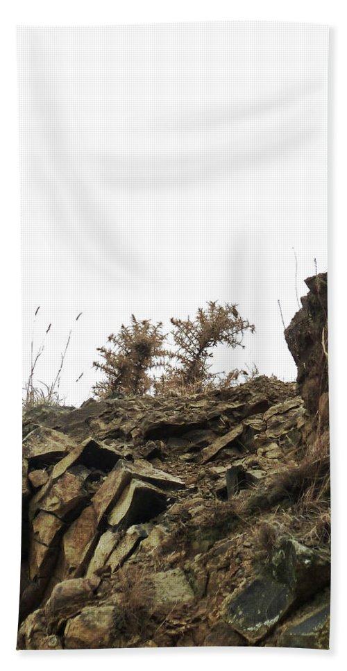 Basalt Bath Sheet featuring the photograph Blending In by Steve Taylor