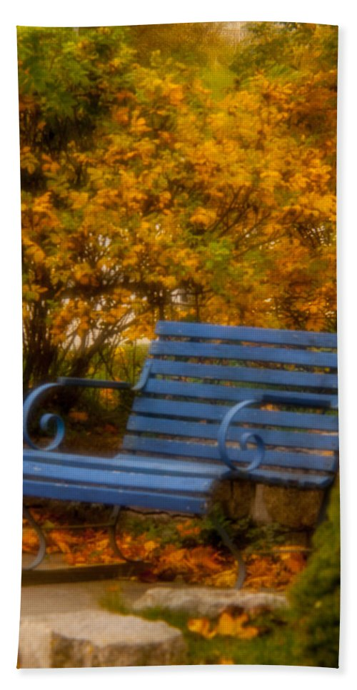 Vacationland Hand Towel featuring the photograph Blue Bench - Autumn - Deer Isle - Maine by David Smith