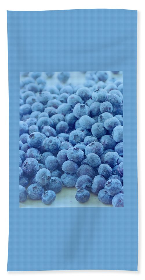 Berries Hand Towel featuring the photograph Blueberries by Romulo Yanes