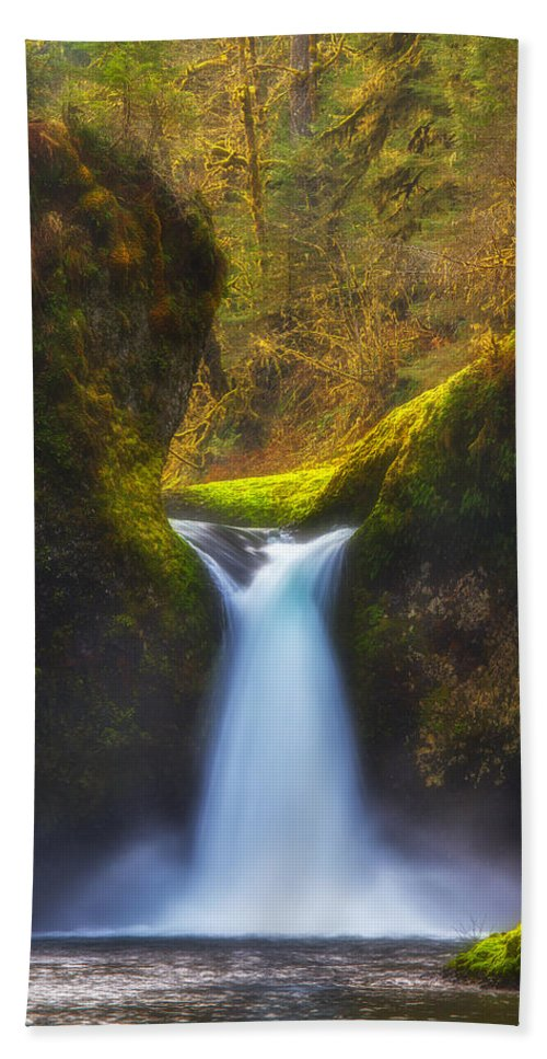 Waterfall Bath Sheet featuring the photograph Blueberry Punch by Darren White