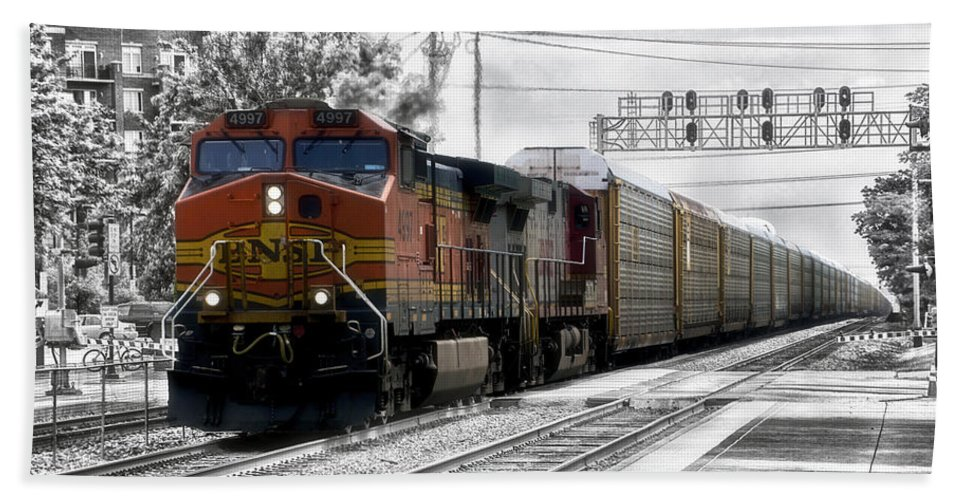 Freight Hand Towel featuring the photograph Bnsf Train by Thomas Woolworth