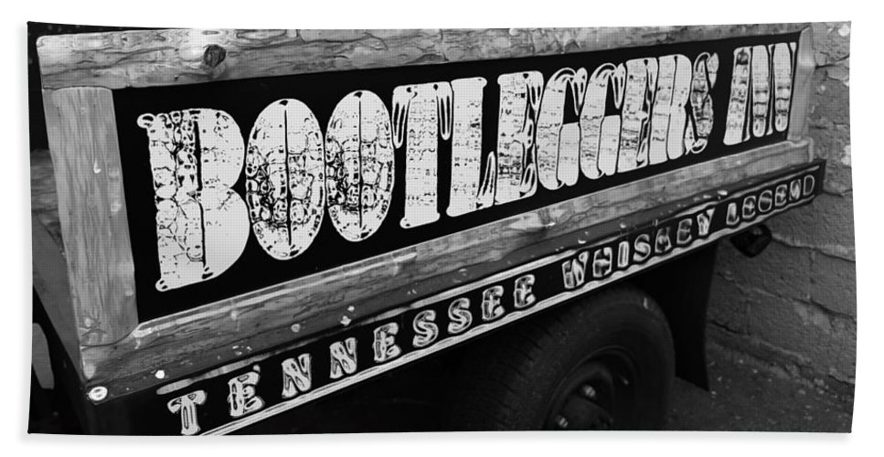 Bootleggers Inn Nashville Tennessee Hand Towel featuring the photograph Bootleggers Inn Nashville Tennessee by Dan Sproul