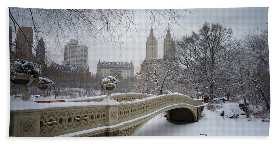Landscape Bath Towel featuring the photograph Bow Bridge Central Park in Winter by Vivienne Gucwa