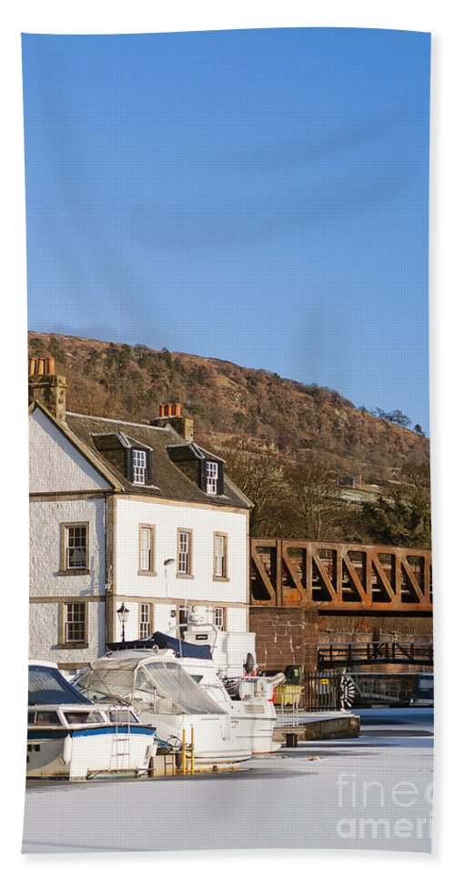 Bowling Bath Sheet featuring the photograph Bowling Harbour House by Antony McAulay