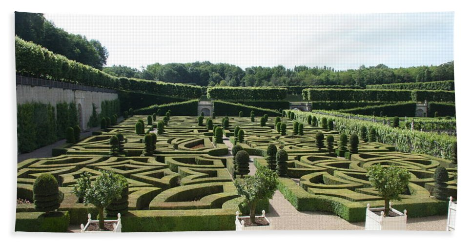Garden Hand Towel featuring the photograph Boxwood Garden Design - Chateau Villandry by Christiane Schulze Art And Photography