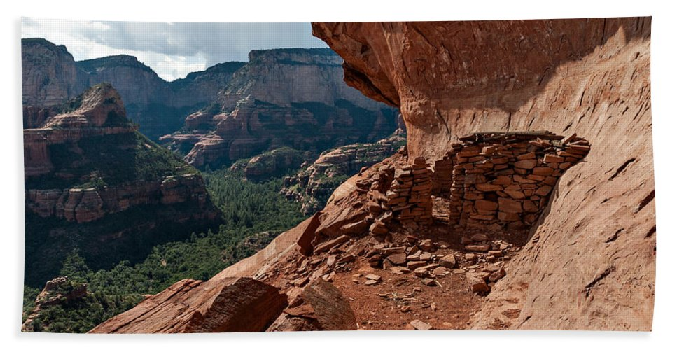 Photo Bath Towel featuring the photograph Boynton Canyon 08-174 by Scott McAllister