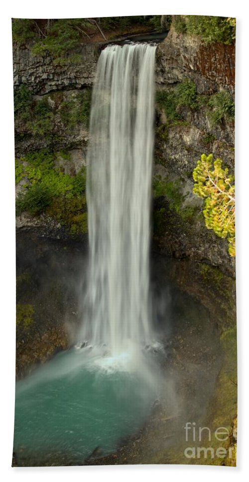 Brandywine Falls Bath Sheet featuring the photograph Brandywine Over The Edge by Adam Jewell
