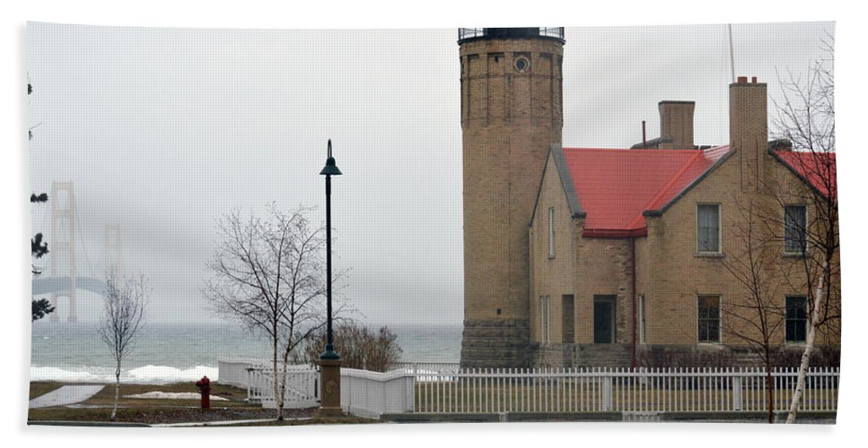 Mackinaw Point Lighthouse Hand Towel featuring the photograph Bridge To The Left by Linda Kerkau