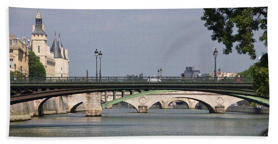 Bridges Hand Towel featuring the photograph Bridges Over The Seine And Conciergerie - Paris by RicardMN Photography