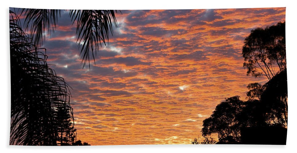 Sun Hand Towel featuring the photograph Brilliant Sunset During Winter by Darren Burton