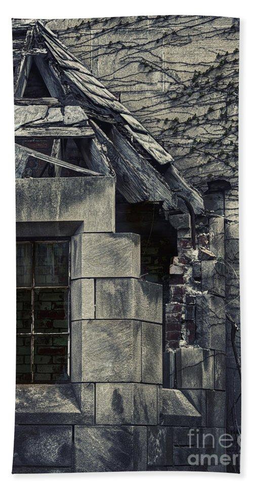 Window Bath Sheet featuring the photograph Broken Facade by Margie Hurwich
