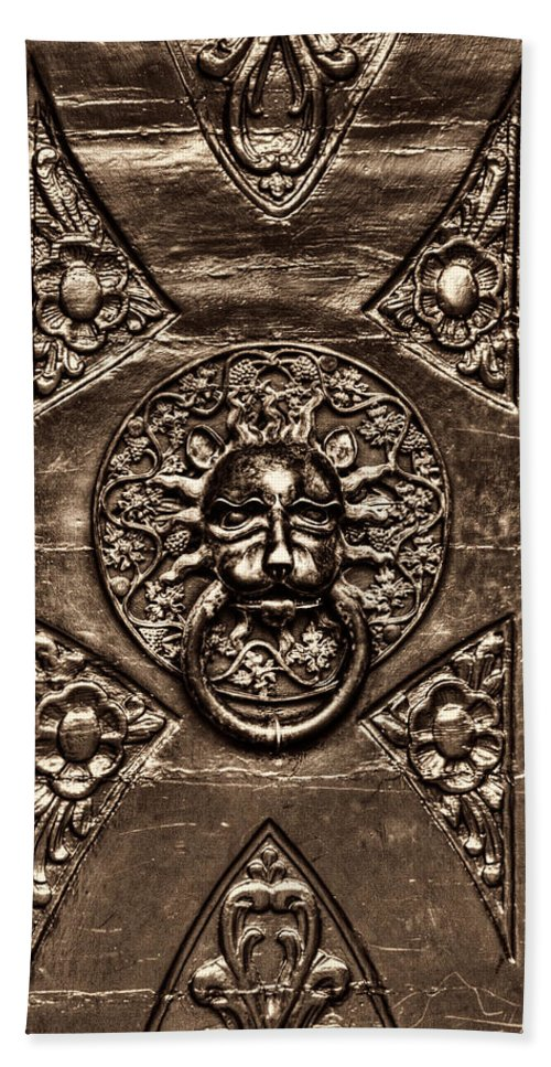 Bronze Lion Head Hand Towel featuring the photograph Bronze Lion Head And Ring On The Main Door Of The Town Hall In Dubrovnik Sepia by Weston Westmoreland