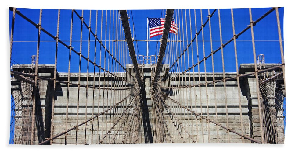 Brooklyn Bridge Hand Towel featuring the photograph Brooklyn Bridge With American Flag by Nishanth Gopinathan