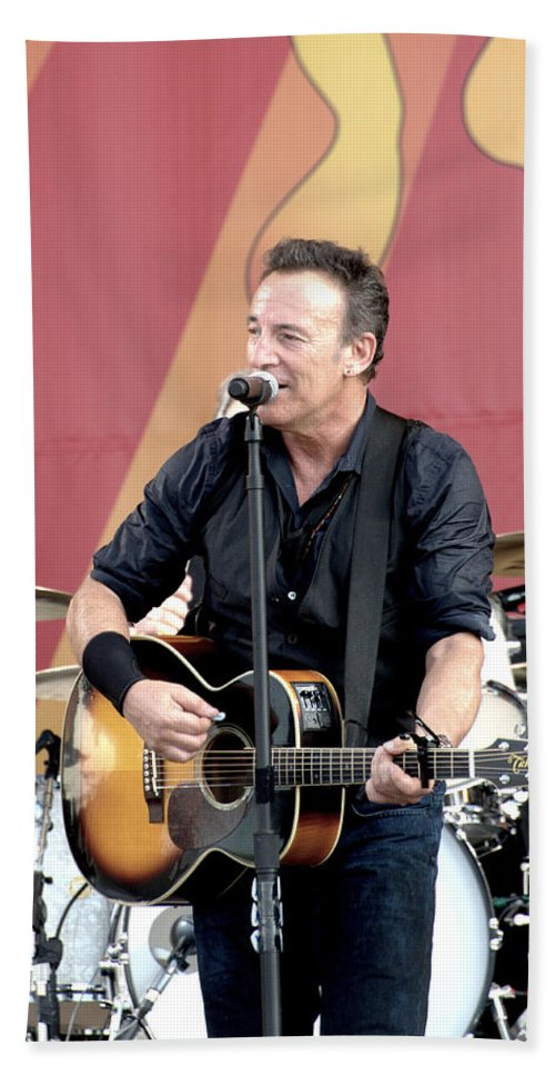 Bruce Springsteen Bath Sheet featuring the photograph Bruce Springsteen 12 by William Morgan