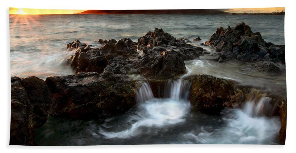 Sunset Bath Towel featuring the photograph Bubbling Cauldron by Mike Dawson