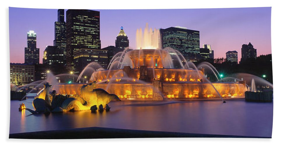 Photography Hand Towel featuring the photograph Buckingham Fountain, Chicago, Illinois by Panoramic Images