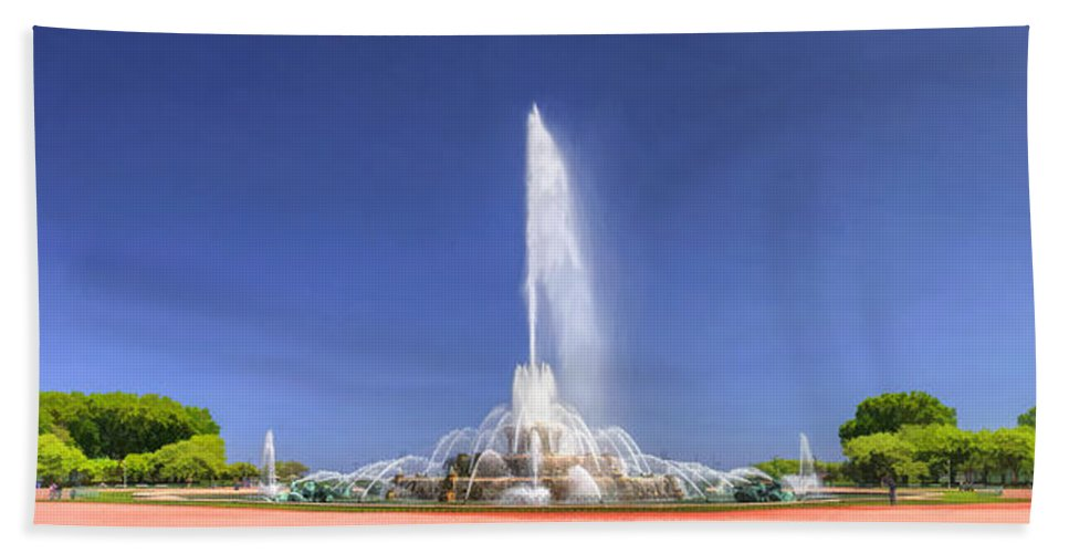 Buckingham Fountain Hand Towel featuring the painting Buckingham Fountain Panorama by Christopher Arndt