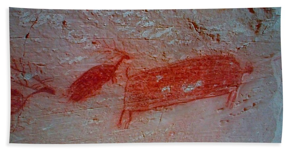 Pictograph Hand Towel featuring the painting Buffalo And Elk Cave Painting by George Pedro