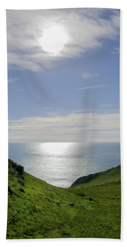 Bunglass Hand Towel featuring the photograph Bunglass - Donegal Ireland by Bill Cannon