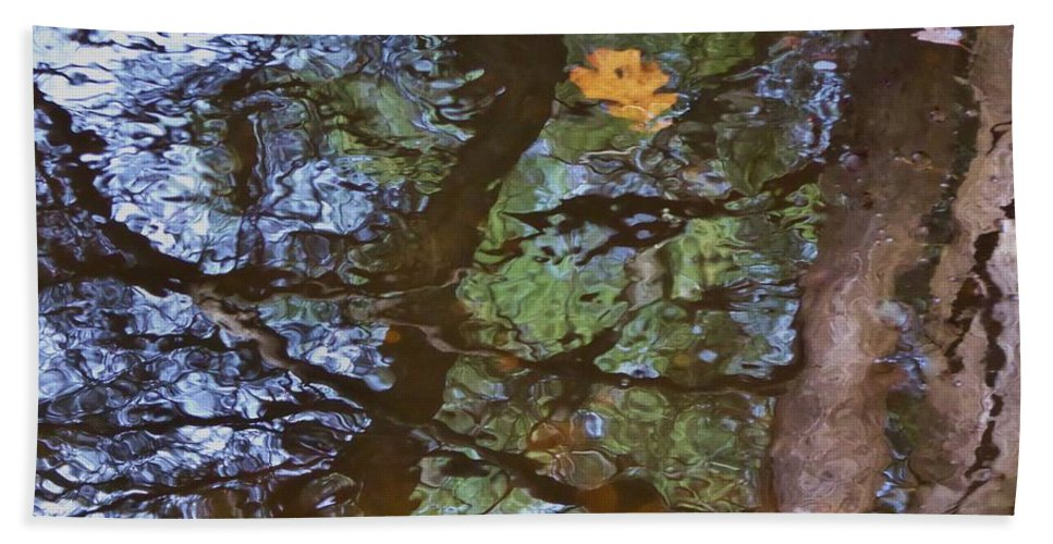 River Bath Sheet featuring the photograph Second Reflection In Bushkill Falls by Nili Tochner