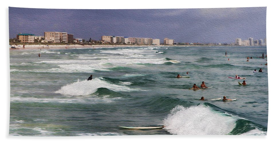 Beach Hand Towel featuring the photograph Busy Day In The Surf by Deborah Benoit