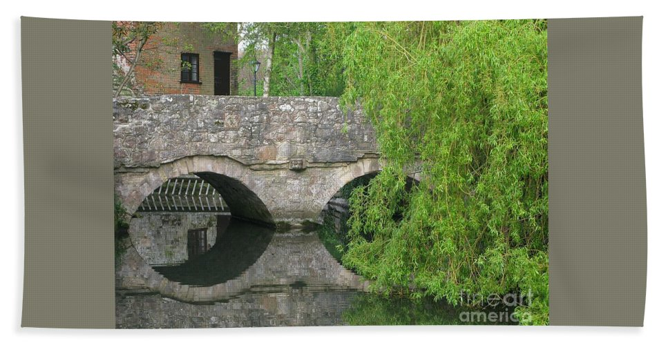 England Bath Towel featuring the photograph By The Old Mill Stream by Ann Horn