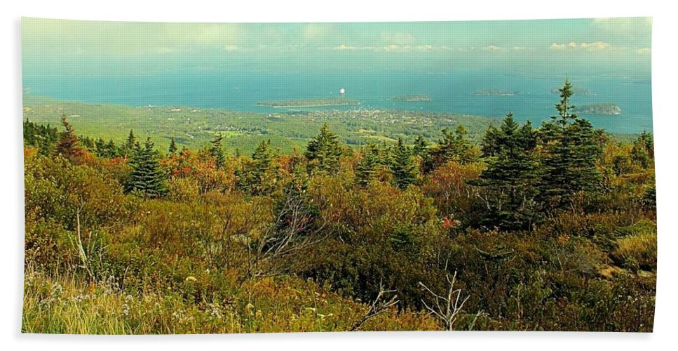 Maine Hand Towel featuring the photograph Cadillac Mountain by Robert McCulloch