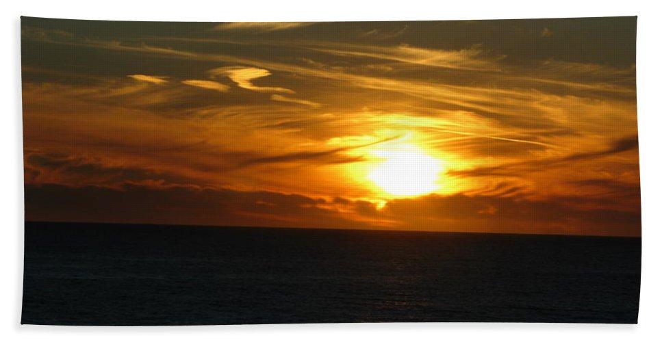 Sunset Bath Towel featuring the photograph California Winter Sunset by Mini Arora