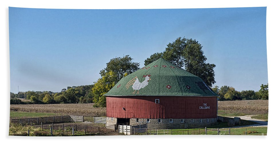 Barn Bath Sheet featuring the photograph Calloways Round Barn by David Arment