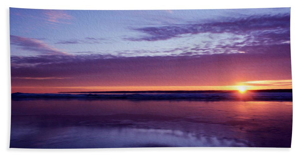 Blue And Red Sky Bath Sheet featuring the photograph Calm by Tracy Winter