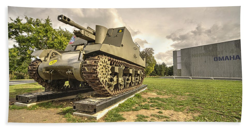 Dday Hand Towel featuring the photograph Canadian Tank by Rob Hawkins