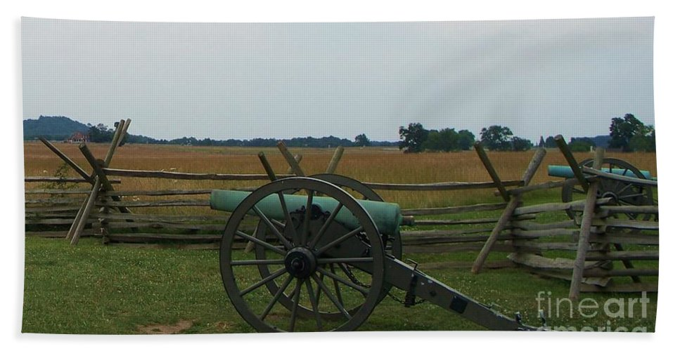 Cannon Hand Towel featuring the photograph Cannon At Gettysburg by Eric Schiabor
