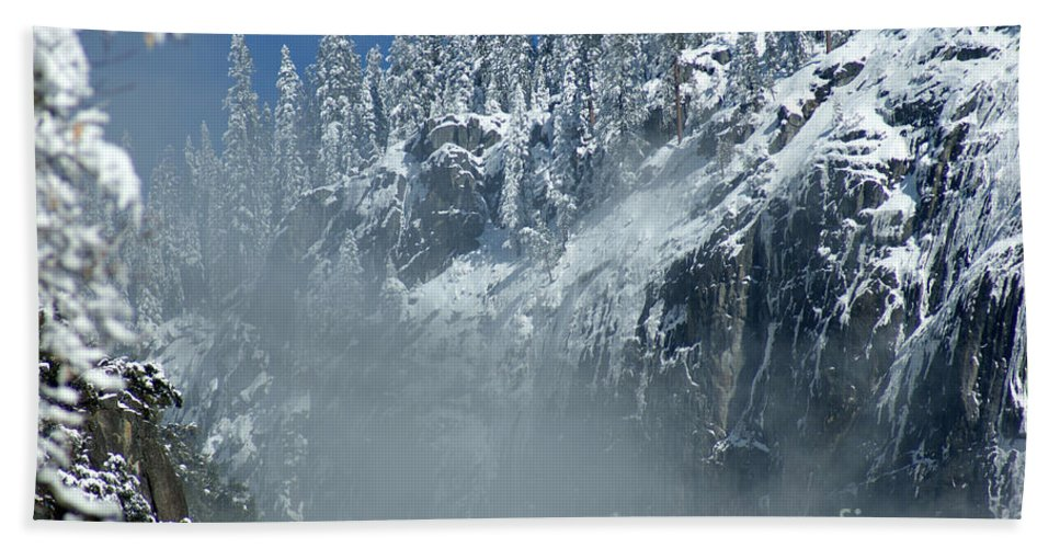 Mist Hand Towel featuring the photograph Canyon Mist Near Half Dome by Christine Jepsen