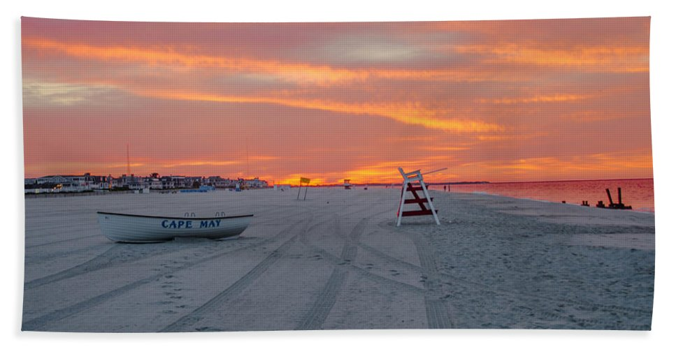 Cape Hand Towel featuring the photograph Cape May Seascape by Bill Cannon